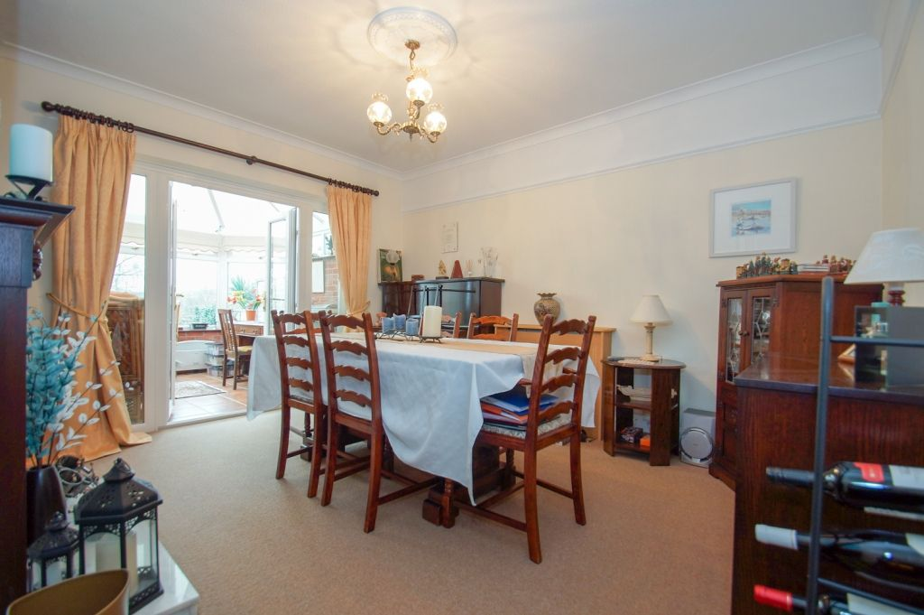 3 bed detached for sale in Stourbridge Road, Fairfield, Bromsgrove, B61  - Property Image 5