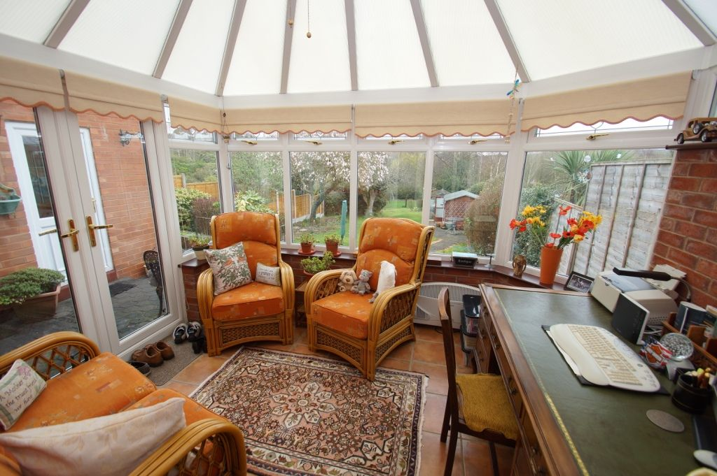 3 bed detached for sale in Stourbridge Road, Fairfield, Bromsgrove, B61 6