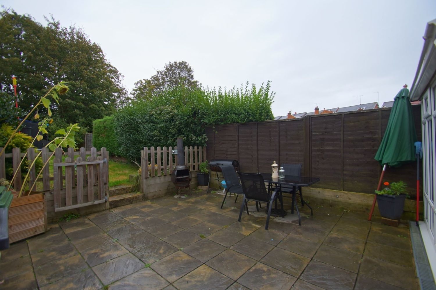 2 bed semi-detached for sale in The Meadway, Headless Cross  - Property Image 13