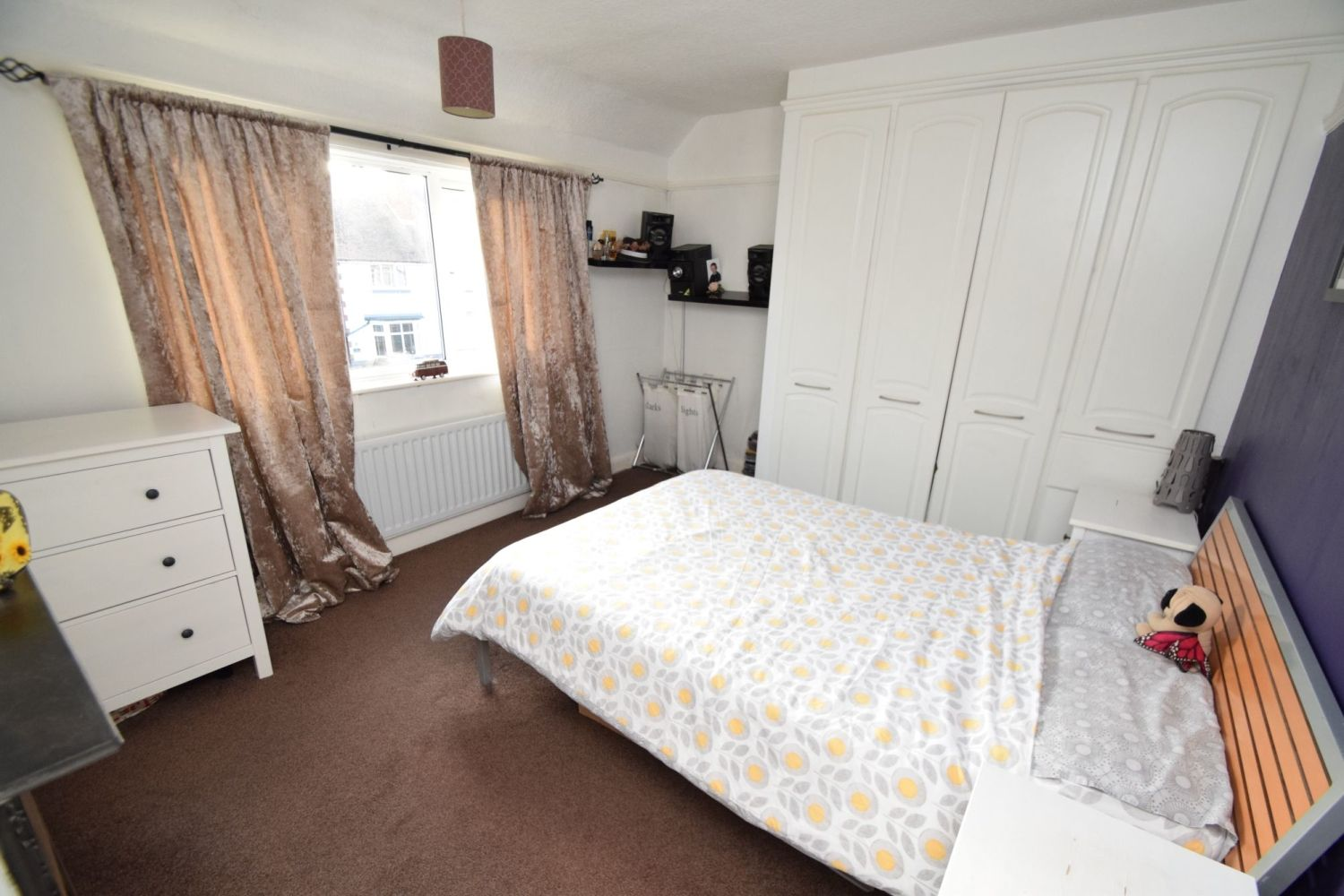 2 bed semi-detached for sale in The Meadway, Headless Cross  - Property Image 7