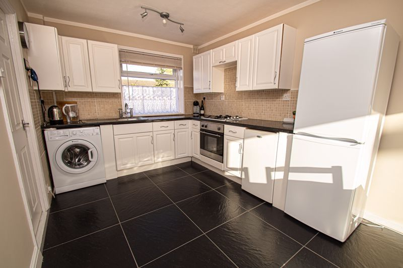 4 bed house for sale in Dormston Close 5