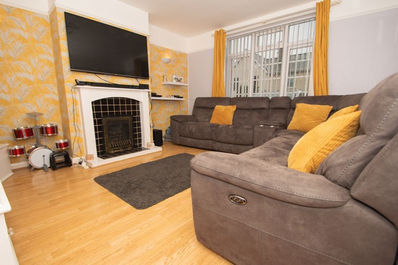 3 bed house for sale in Walker Street 2
