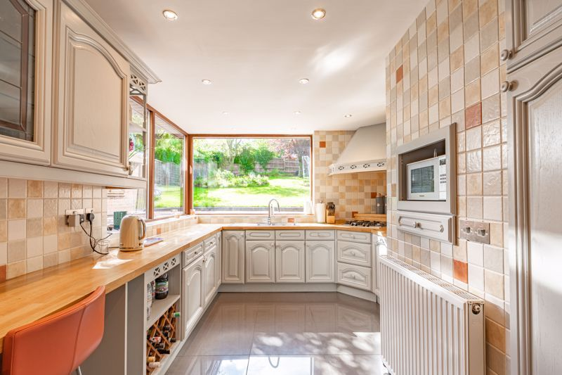 3 bed house for sale in Barrs Road  - Property Image 6