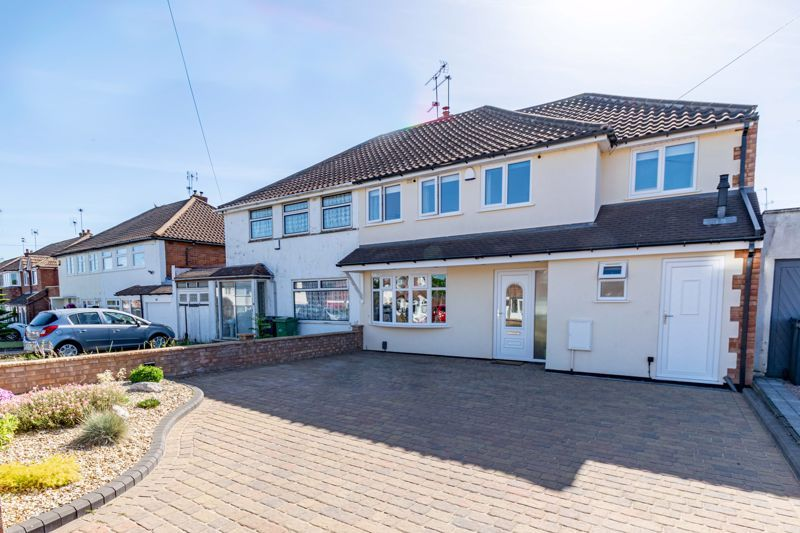 5 bed house for sale in Dunstall Road  - Property Image 1