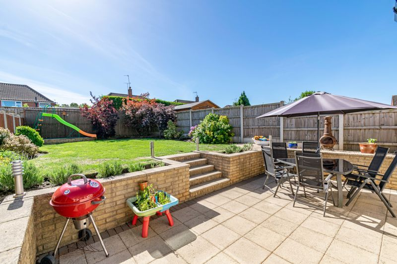 5 bed house for sale in Dunstall Road 13