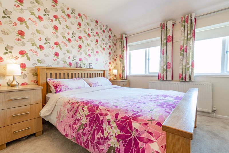 5 bed house for sale in Dunstall Road 15