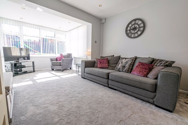 5 bed house for sale in Dunstall Road 16