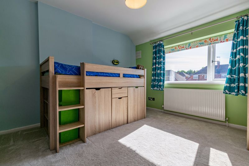 5 bed house for sale in Dunstall Road 8