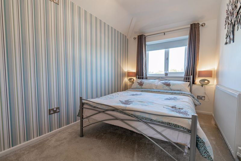 5 bed house for sale in Dunstall Road 9