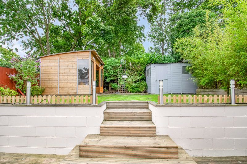 4 bed house for sale in Alveston Close 19