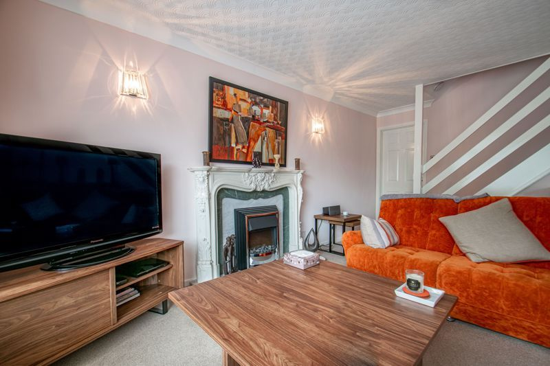 4 bed house for sale in Alveston Close  - Property Image 4