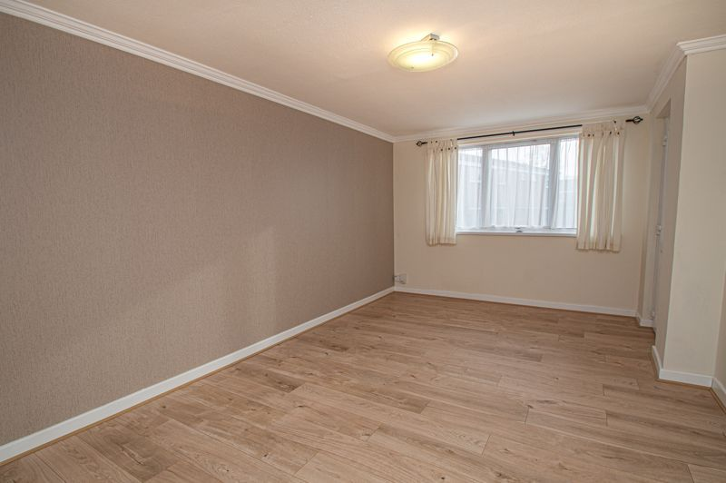 2 bed flat for sale in Leysters Close  - Property Image 2