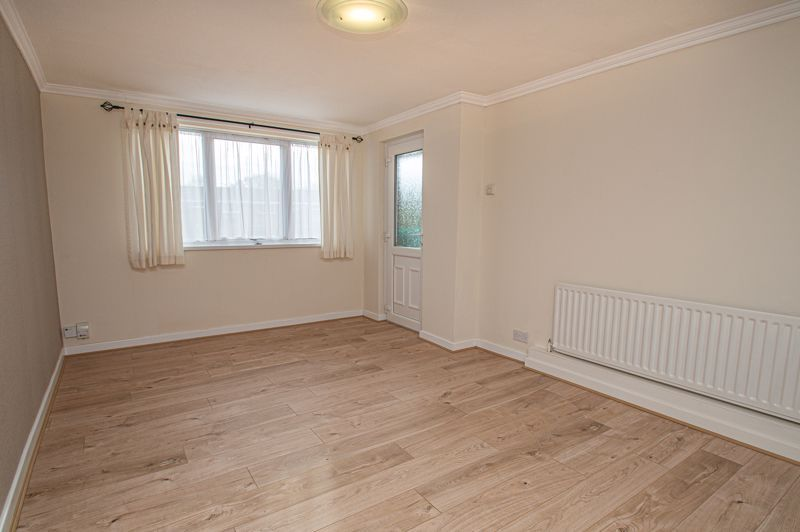 2 bed flat for sale in Leysters Close  - Property Image 3
