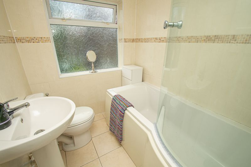 3 bed house for sale in Dennis Hall Road  - Property Image 11