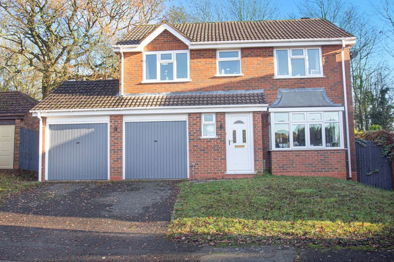 4 bed house for sale in Dunstall Close 1