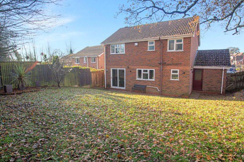 4 bed house for sale in Dunstall Close  - Property Image 15