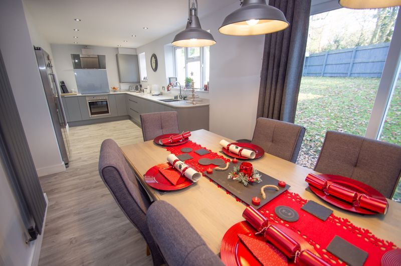 4 bed house for sale in Dunstall Close 3