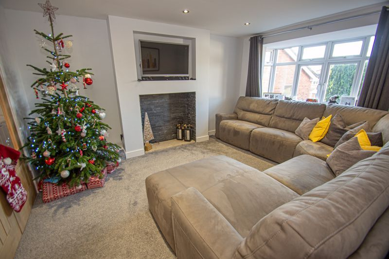 4 bed house for sale in Dunstall Close  - Property Image 5