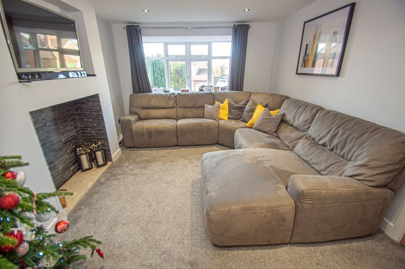 4 bed house for sale in Dunstall Close  - Property Image 6