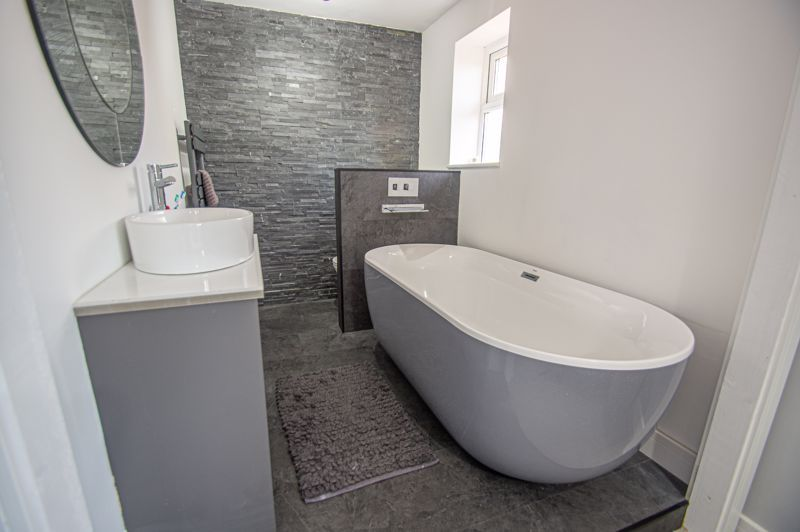 4 bed house for sale in Dunstall Close 10