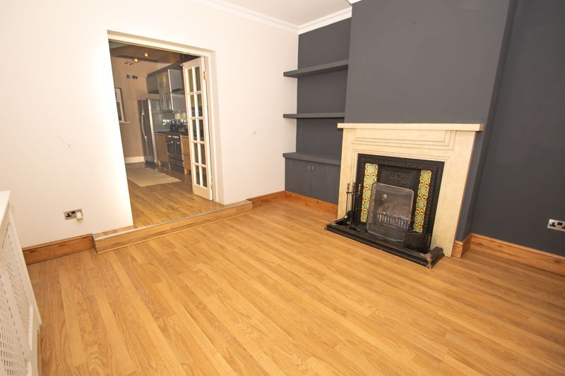 2 bed house for sale in Collis Street 4