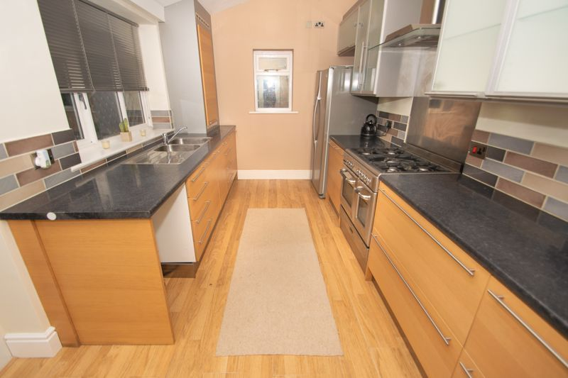 2 bed house for sale in Collis Street 5