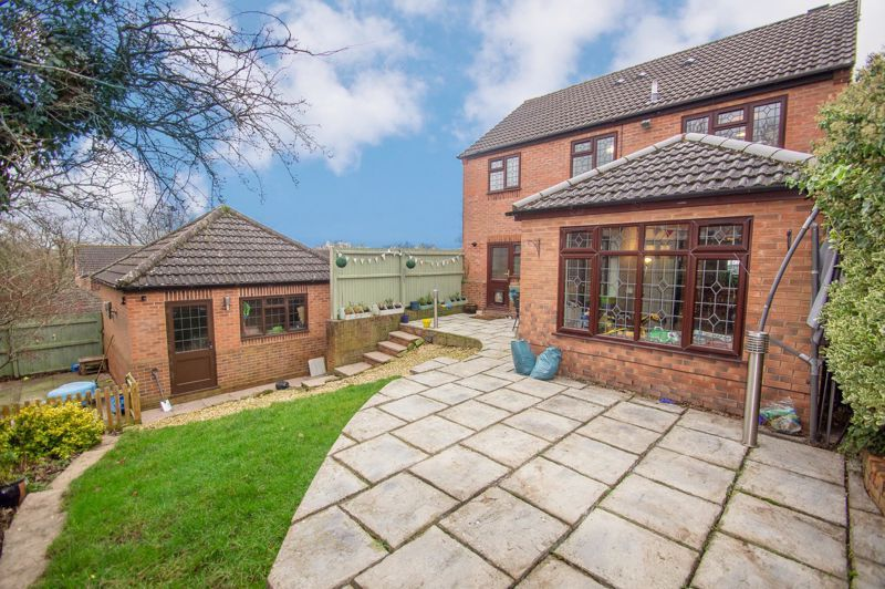 4 bed house for sale in Duxford Close 15