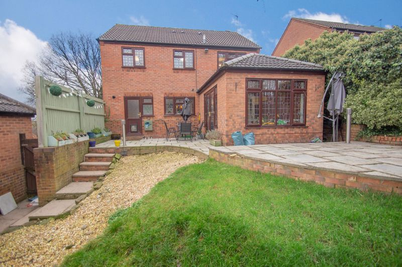 4 bed house for sale in Duxford Close 16