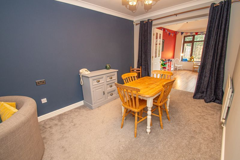 4 bed house for sale in Duxford Close 4