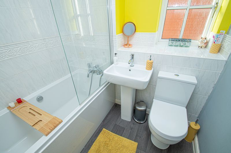 3 bed house for sale in Rosedale Close 12