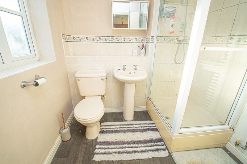 3 bed house for sale in Rosedale Close 8