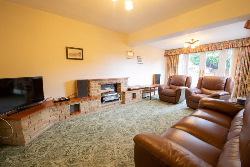 3 bed house for sale in Drew Crescent  - Property Image 2