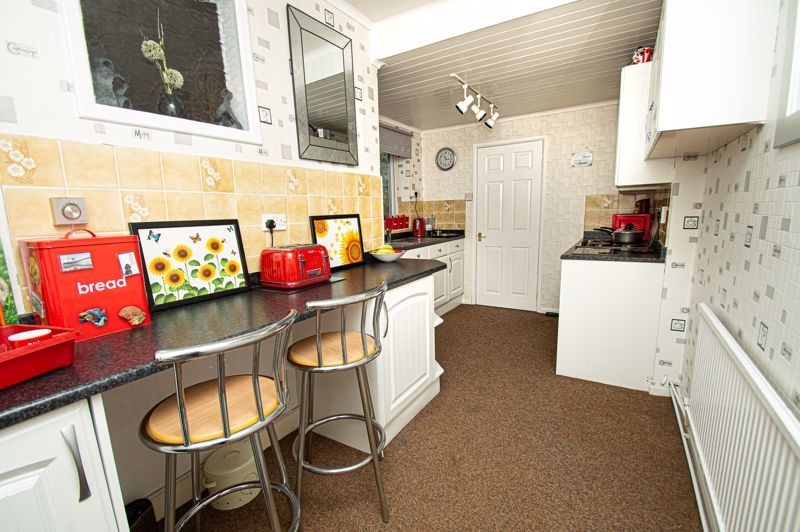 3 bed house for sale in Penmanor 5