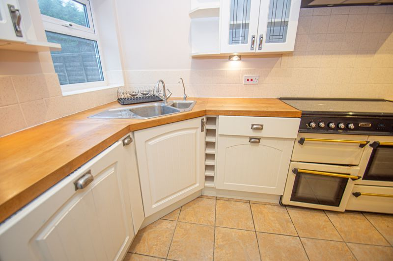 2 bed house for sale in Highfield Avenue 5
