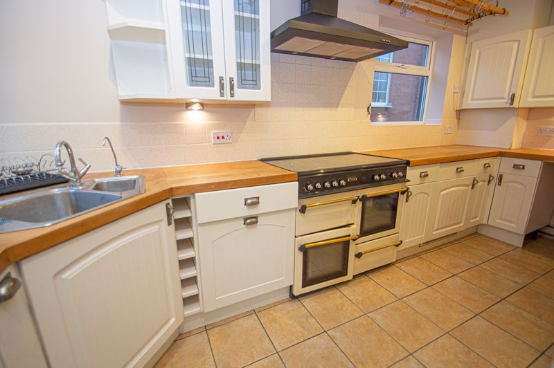 2 bed house for sale in Highfield Avenue  - Property Image 7