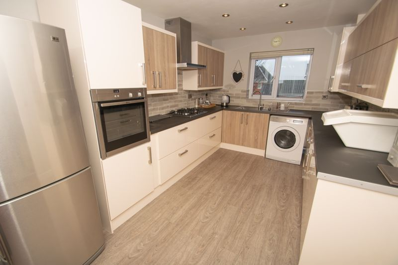 1 bed house for sale in Holly Road 2
