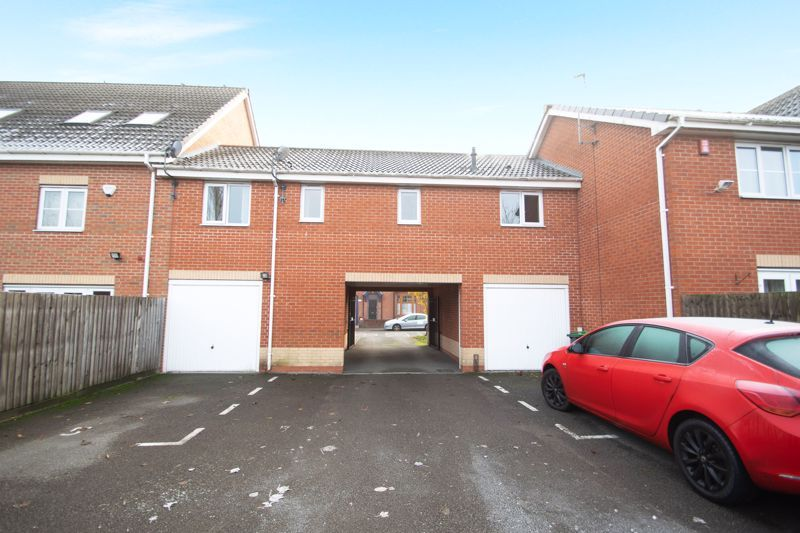 1 bed house for sale in Holly Road  - Property Image 13