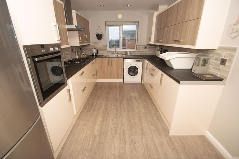 1 bed house for sale in Holly Road 3