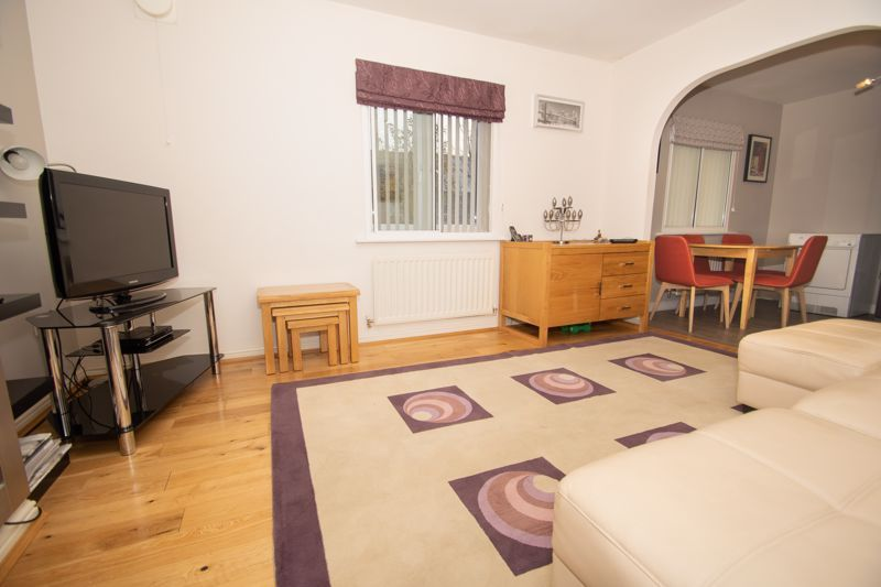 1 bed house for sale in Holly Road  - Property Image 5