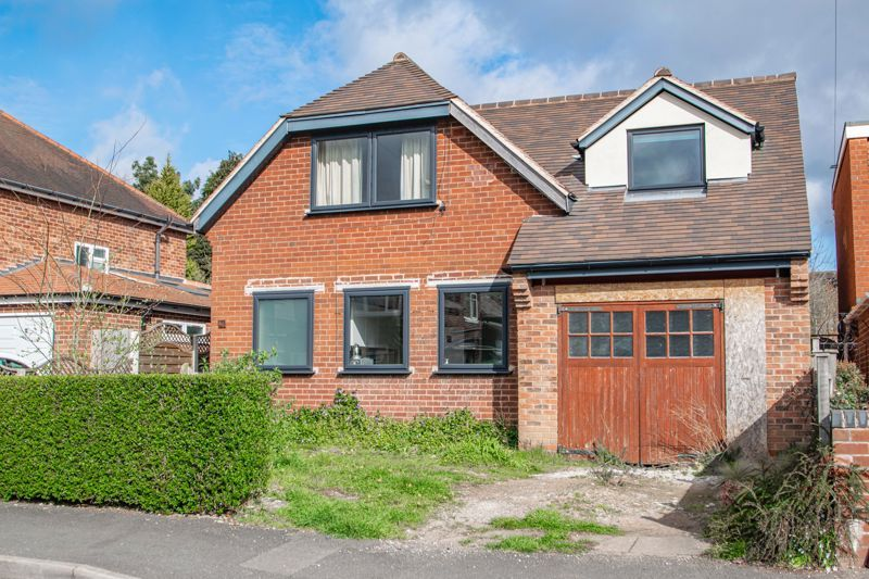 4 bed house for sale in Wentworth Road 1