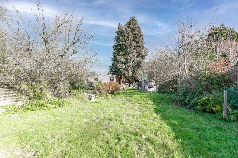 4 bed house for sale in Wentworth Road 12