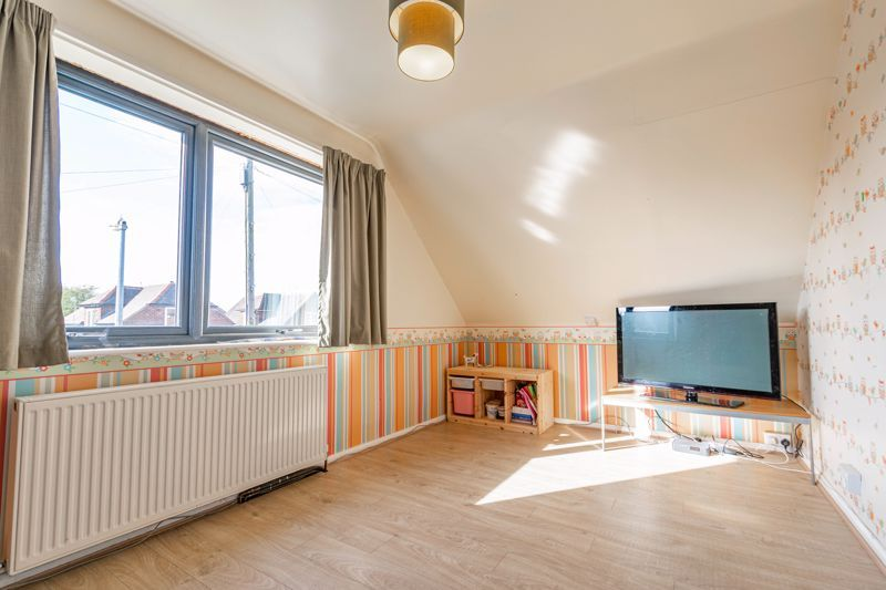 4 bed house for sale in Wentworth Road 6