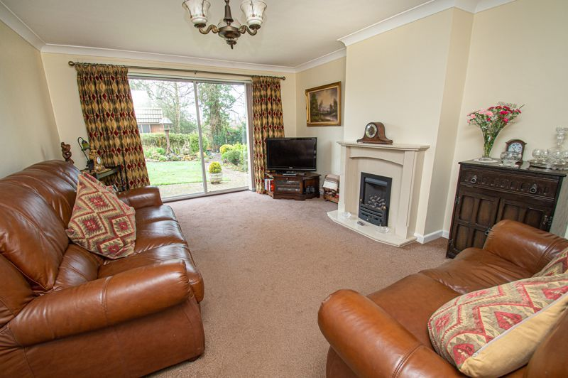 2 bed bungalow for sale in Cottage Lane 2