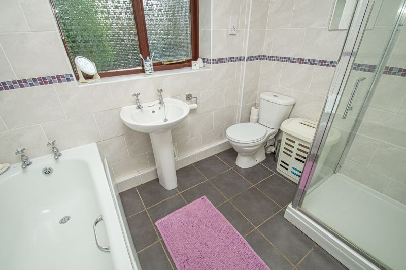 2 bed bungalow for sale in Cottage Lane 12
