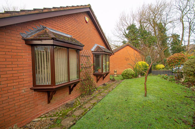 2 bed bungalow for sale in Cottage Lane 20