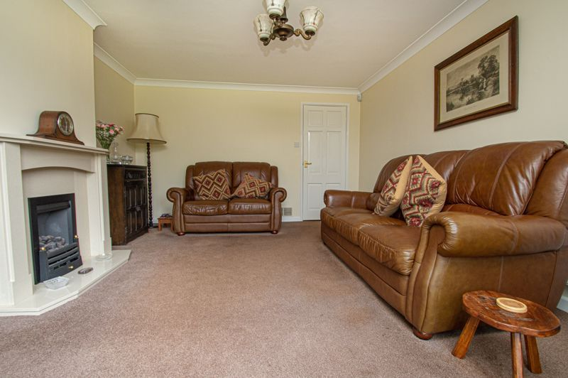 2 bed bungalow for sale in Cottage Lane 3