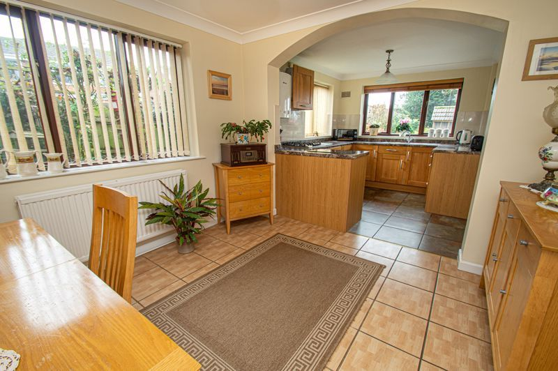 2 bed bungalow for sale in Cottage Lane 4