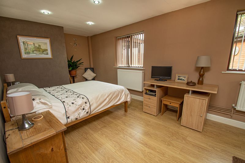 2 bed bungalow for sale in Cottage Lane  - Property Image 8