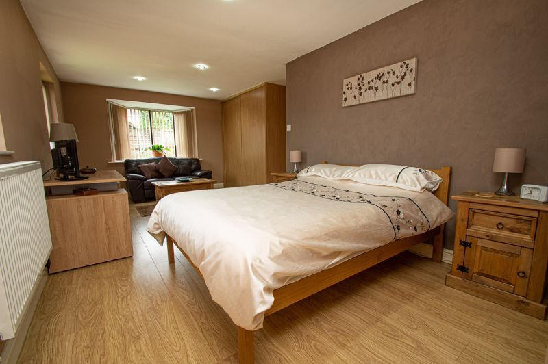 2 bed bungalow for sale in Cottage Lane  - Property Image 10