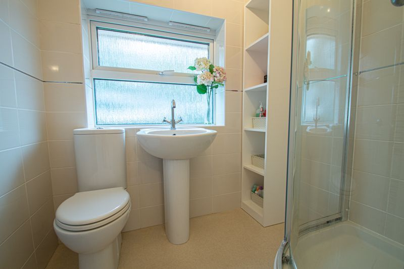 3 bed house for sale in Moorcroft Gardens 11